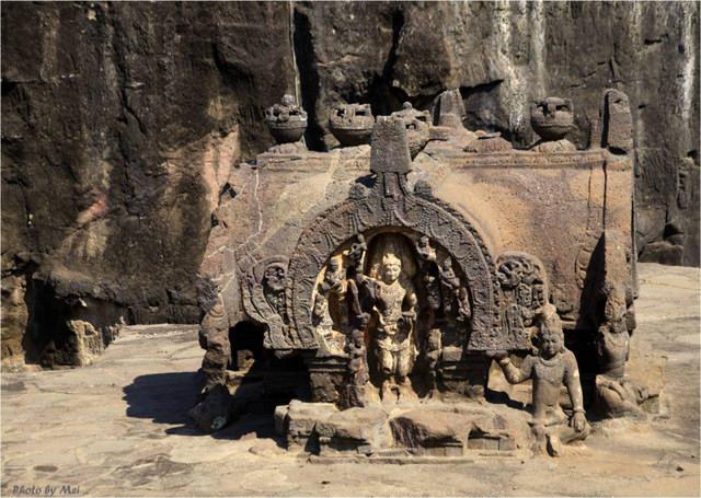 爱罗拉石窟 Ellora Caves 2