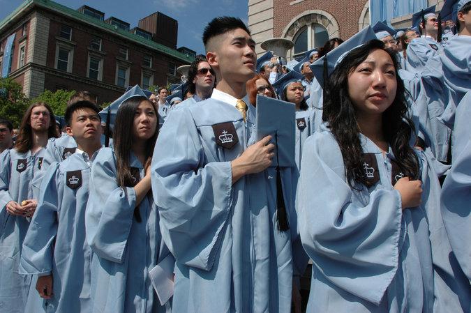"""亚裔美国人公开反对""""模范少数族裔""""神话"""