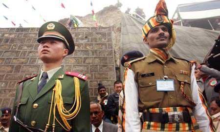 """一个印度人眼里的中国人:""""比我们苦多了"""""""