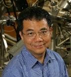 UCLA�A裔教授�铌�成就卓越 ���x美��物理�W����士