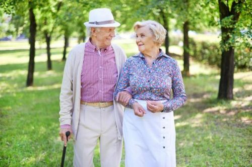 CDC:美国人均寿命已连续3年保持在79岁 & 美国人的婚姻什么样?