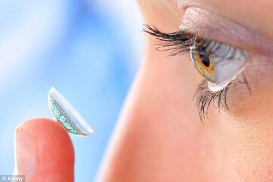 英国伯明翰阿斯顿大学研发特殊隐形眼镜:整夜佩戴或可矫正视力