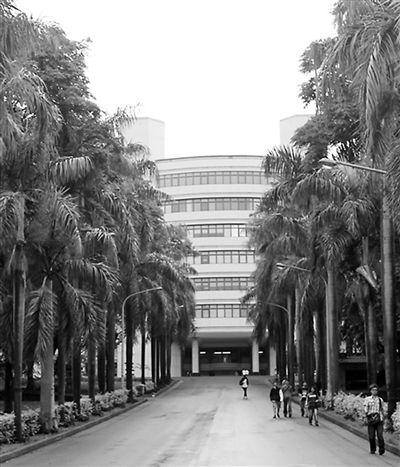台湾高校瘦身:生源不足 学历贬值 裁并难免