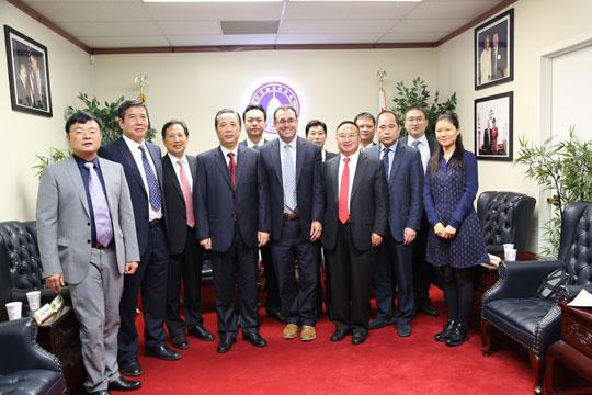 王鼎华和Joshua Eddy接待广东省农业厅商务考察团