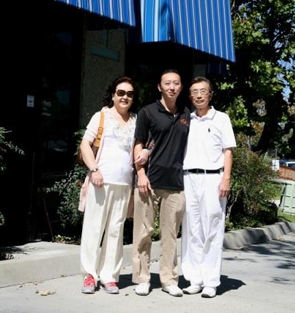 医学领域父子兵(图)- 记圣地亚哥卢氏实验公司奋斗史