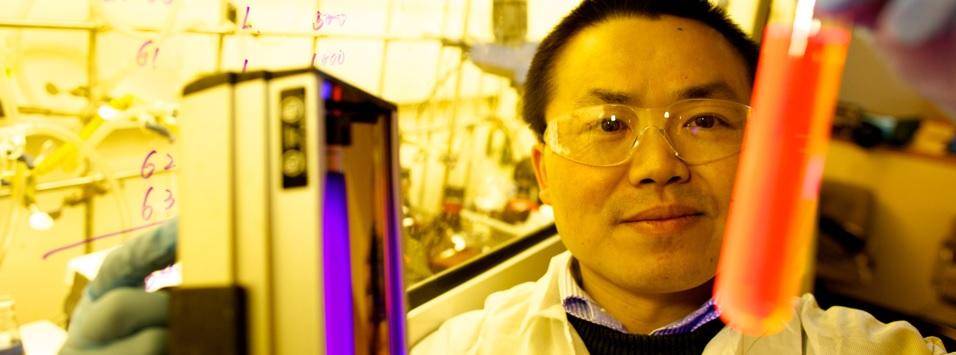 美国华裔教授专家网殷亚东教授发明再写纸 可重复使用20次