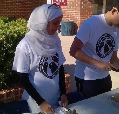 """Barstow国际学生联合会举办""""多元文化日"""""""