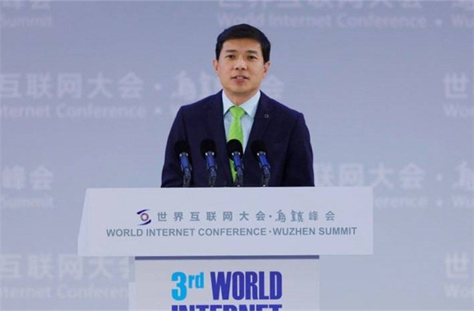 李彦宏:人工智能时代, 需重新想象每一件事