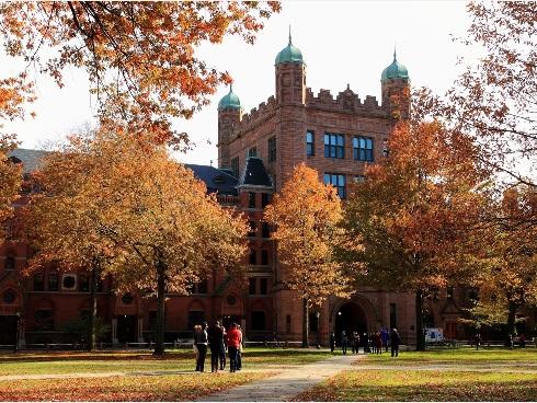 密歇根大学教授朱莉・波塞尔特揭露:华人被美国高校在录取研究生时潜规则