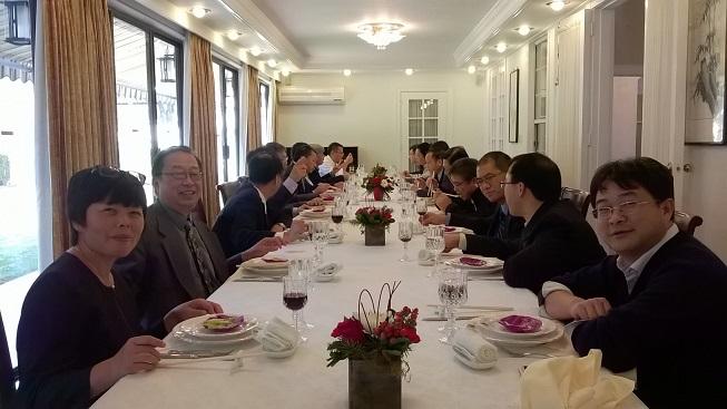 刘伟平率中科院代表团访问洛杉矶  同美国华裔教授专家代表亲切座谈