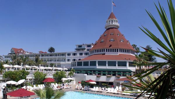 中国安邦保险巨资购下圣地亚哥著名地标酒店(视频)