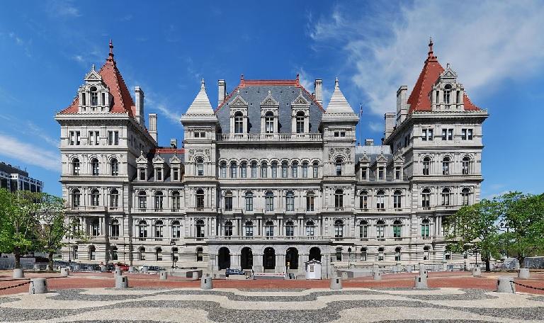 纽约富翁集体请求增加富人税 用以帮助穷人