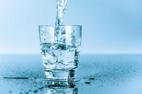 伊利诺伊大学安若鹏等最新研究发现:多喝水好处多 帮助减肥是其一