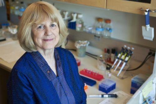 华盛顿大学人类基因学家玛丽-克莱尔・金被授予美国国家科学奖章