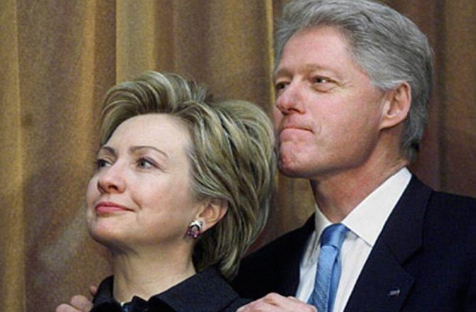 """希拉里拉丈夫克林顿出来打""""经济牌""""靠谱不?"""