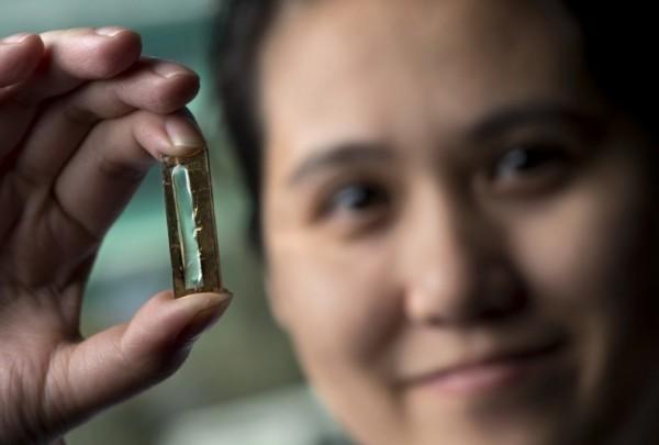 加州大学欧文分校(UCI)研究人员意外发明了可持续使用400年的电池