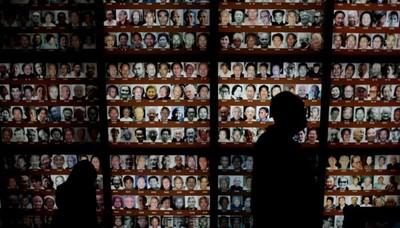 南京大屠��八十周年�o念 追悼三十�f�K遭�⒑Φ耐�胞 (11/12Arcadia)