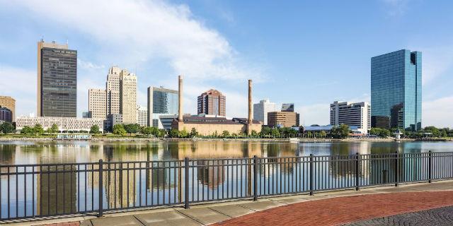 全美住房成本占平均收入的37% 这十个城市只需16%或更低