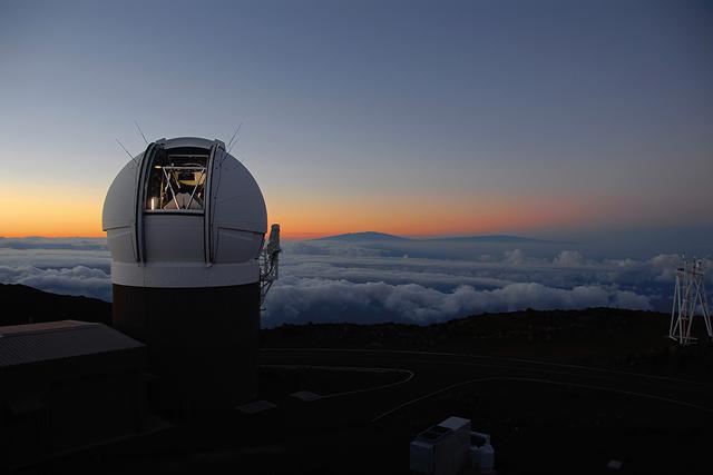 """人类首次观测到""""星外来客"""": 夏威夷大学发现来自太阳系之外小天体"""