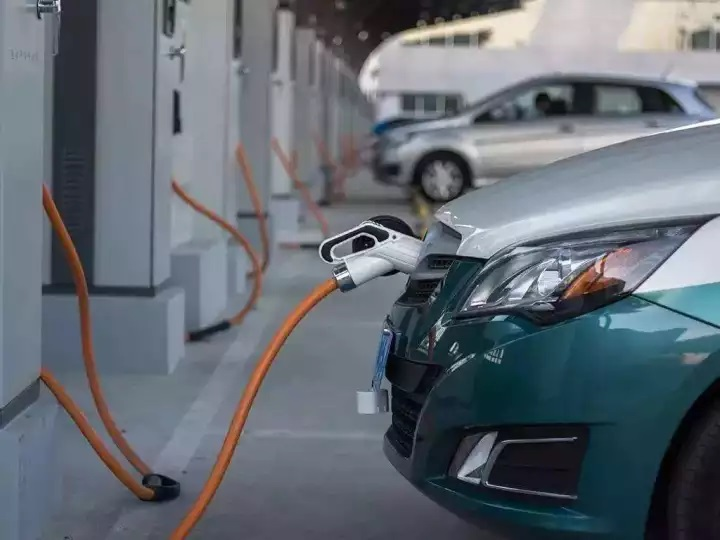 中国万向集团美国子公司大突破:充电1分钟续航800公里