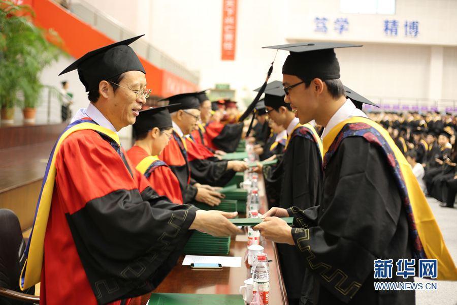 中国的大学要有学问这根筋