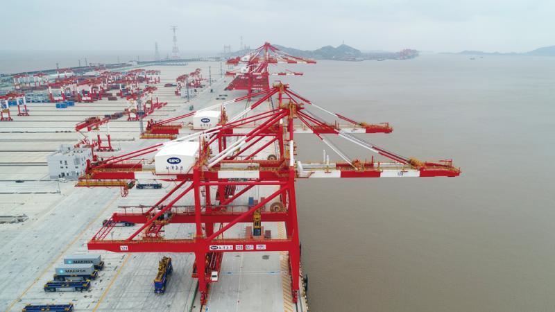 """自动化的上海高科技""""魔鬼码头""""将于下周开港运营"""
