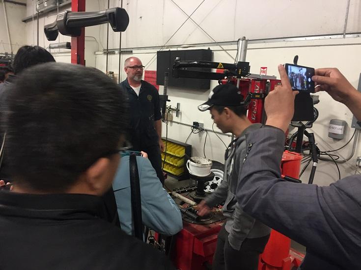 山东数控机床和智能机器人教授代表团访问BC和美国华裔教授专家网