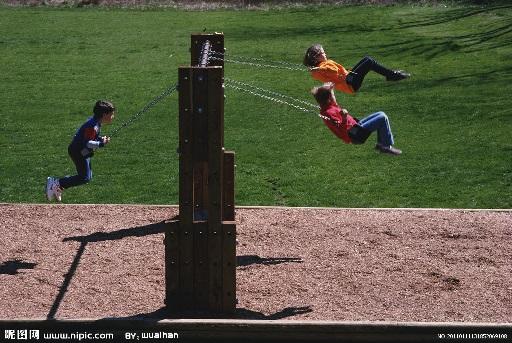 华盛顿大学: 荡秋千等同步动作有助于儿童学习与他人合作