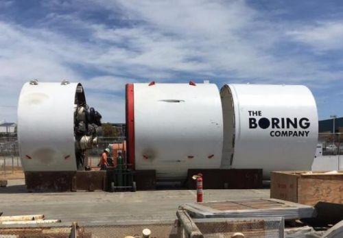 特斯拉CEO马斯克建造地下隧道网络:通过电动滑板传输汽车