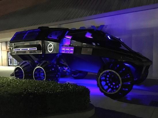 NASA首次展示人类第一辆火星卡车: 时速112km!