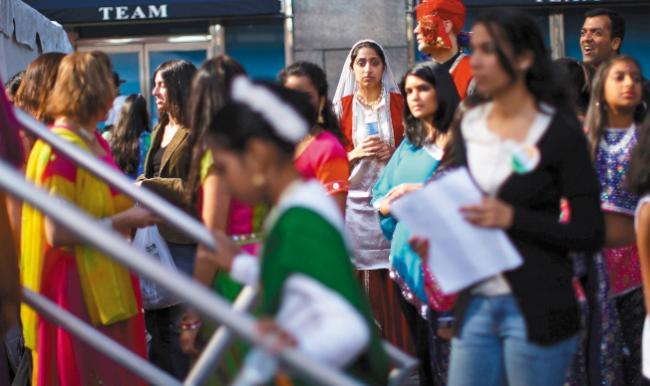美国务院制定新签证指南:将从严审批学生签证 & 10月起职业绿卡要面试
