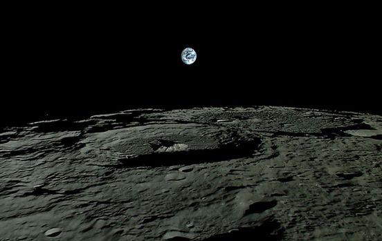德国多特蒙德技术大学: 反射光谱显示月球浅表或含大量水