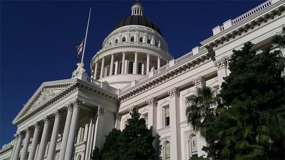 加州法律制度的重大�革