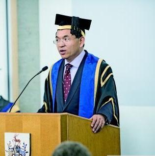 英国萨里大学校长逯高清:我是中国改革开放的受益者