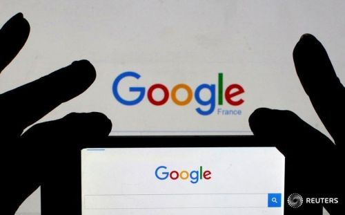 Google 融合智能触摸屏与智能音箱