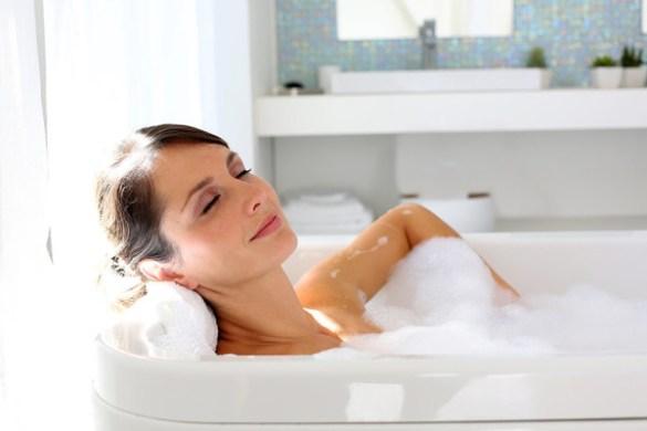 德��弗�堡大�W研究发现:�常泡澡有助於降低抑�d