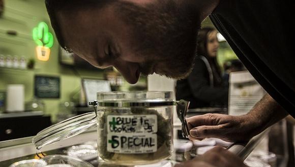 美司法部长宣布全国严厉打击大麻犯罪活动 刚刚将其合法化的加州懵了