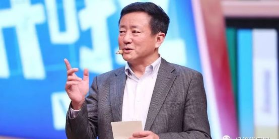 """樊纲批评胡鞍钢""""中国早已超越美国""""的言论"""