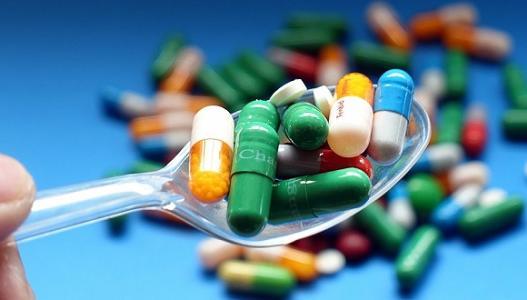 美国阿片药物治疗市场的危机、涅��与重生