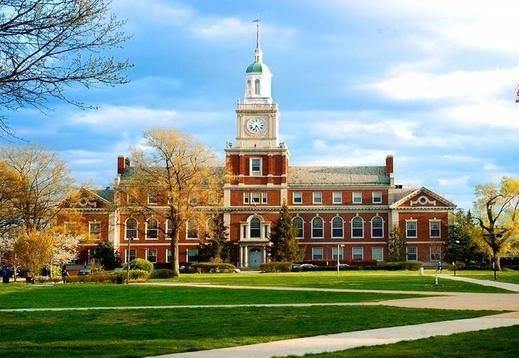 美国最好私立大学对年家庭年收入13万美元以下学生免学费