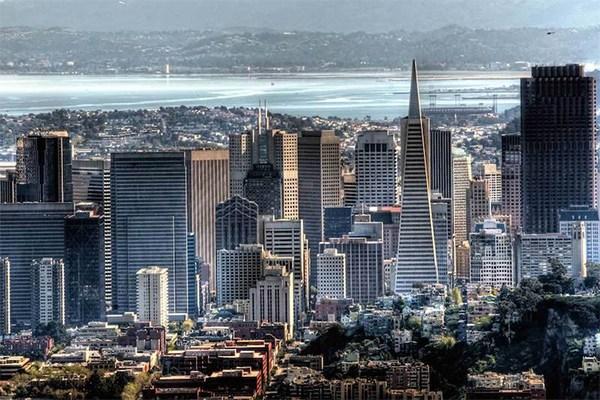 美��住房和城市�l展部:�f金山��^的��I人士年薪$12万属于低收入