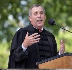 新任哈佛校长Lawrence Bacow演讲:卓越下一站