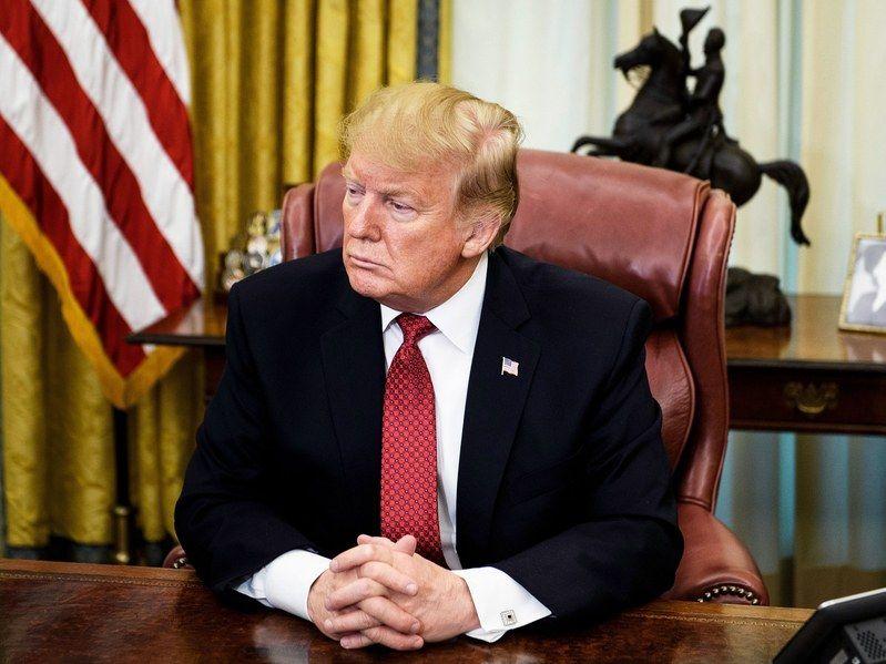 川普签署启动美国AI计划,与中国争夺全球领导权