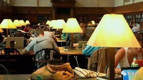 美国高等教育正逐渐崩坏:近乎一半学生表示在校期间没有真的学到什么