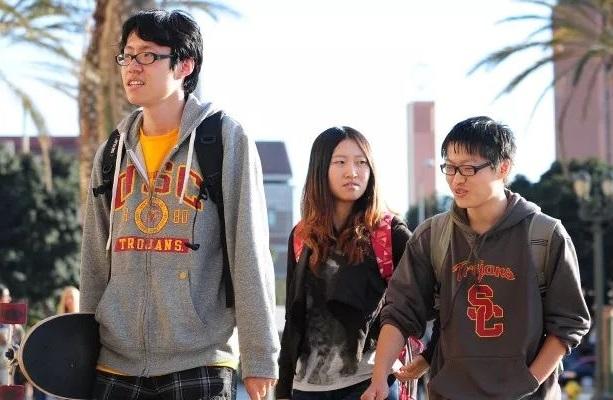 美国家经济研究局发表《50年来美国学生成绩贫富分化》的研究报告