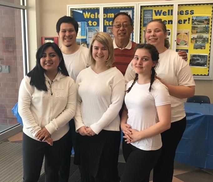 """Barstow国际学生联合会在年度""""健康与幸福日""""表演中国太极拳获赞"""