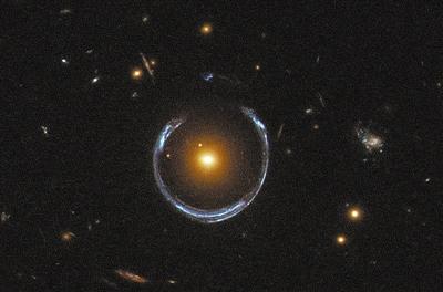 引力透镜:宇宙中的放大镜