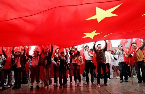 """""""为什么海外华人那么爱国,但是让他回国却不愿意?..."""""""